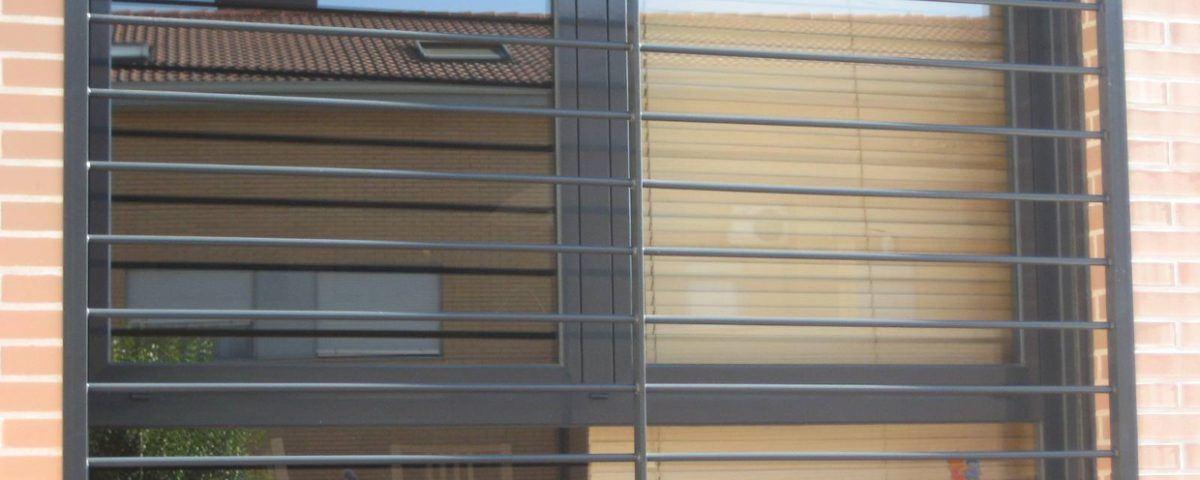 rejas ventanas banner 1200x480 - instalación de rejas barcelona, instalar rejas barcelona