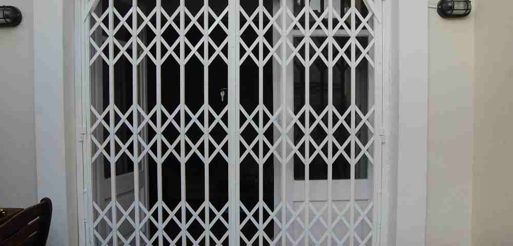 reja de ballesta2 1 1000x480 - Fabricacion Puertas y Rejas de Ballestas