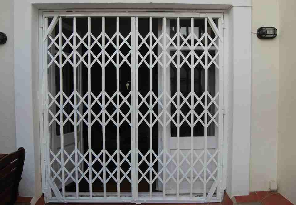 reja de ballesta2 1 960x665 - Fabricacion Puertas y Rejas de Ballestas