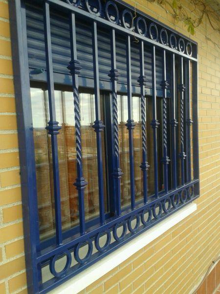 rejas hierro lacadas - Rejas de seguridad para puertas