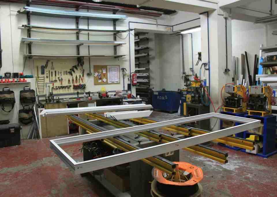 Nuestra empresa rejas 2020 960x683 - Rejas fijas para puertas de local y comercios